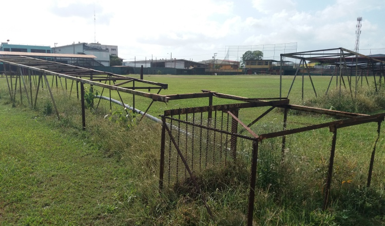 El estadio está en completo abandono.