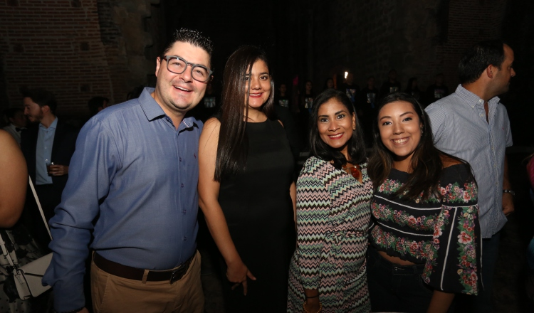2. Pedro Gálvez, Priciell Guadron, Oriana Ceballos y Katherine González.
