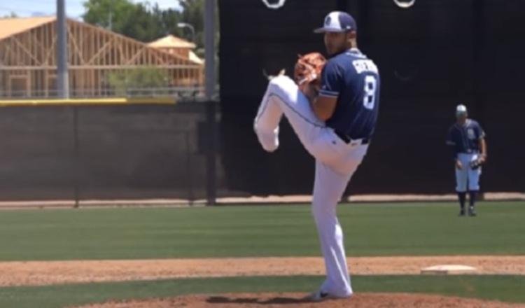 Javier Guerra se probará como lanzador en las Mayores. Cortesía