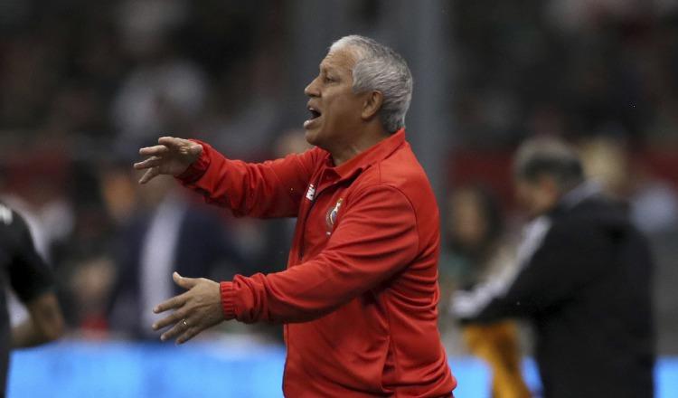 Américo 'Tolo' Gallego retoma los microciclos en el estadio Rommel Fernández. Anayansi Gamez.