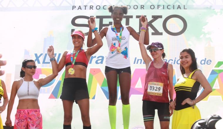 Magdaline Jepkoech, de Kenia ganó en la rama femenina. Foto:Anayansi Gamez