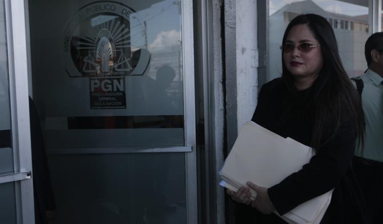 La diputada se apersonó a la Fiscalía Metropolitana.  Víctor Arosemena