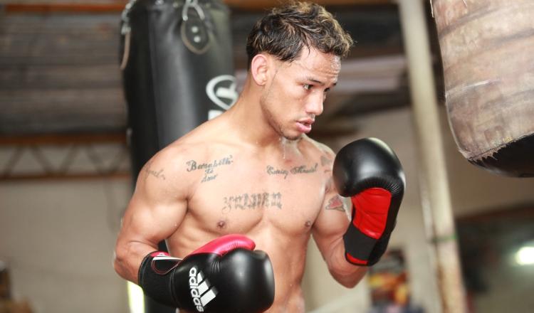 Luis 'El Nica' Concepción en los entrenamientos en el gimnasio, se prepara para enfrentar al colombiano Rober Barrera. Foto: Anayansi Gamez
