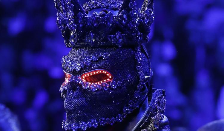 Wilder con su máscara.