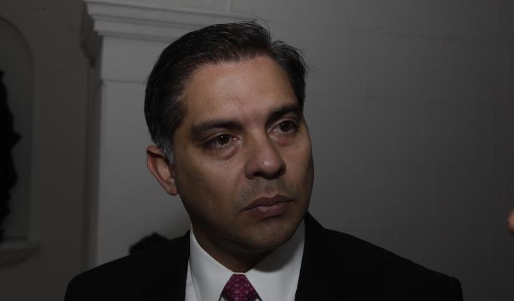Adolfo Valderrama fue imputado de cargos en este caso. Archivo