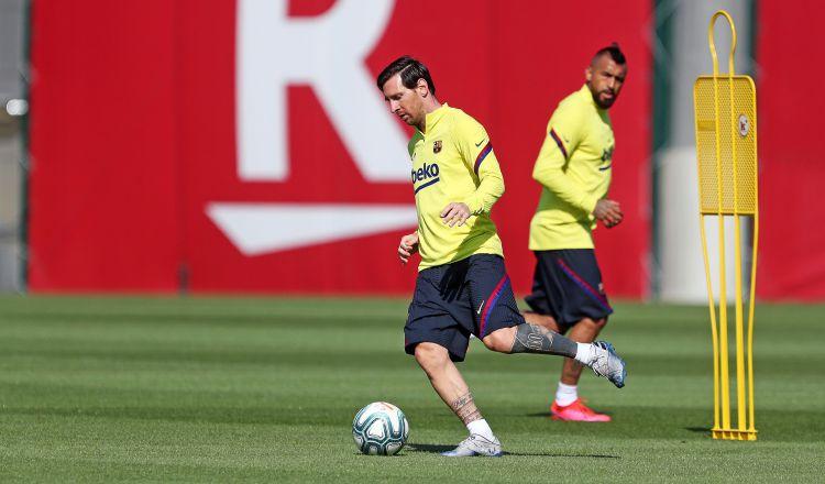 Lionel Messi durante los entrenamientos del Barcelona. Foto:AP