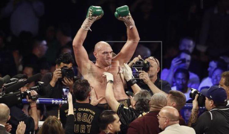 Fury, campeón del CMB Foto:EFE