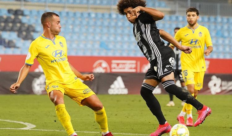 Adalberto Carrasquilla en el partido contra Atlético Baleares. Fotos@FCCartegena_Efesé/@rfef