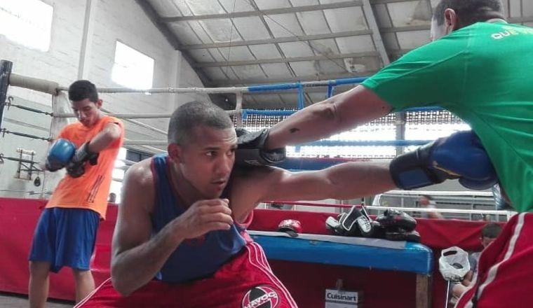Yohan Vásquez entrena bajo la tutela de Rigoberto Gabribaldi. Foto: @yohan.vasquez.90