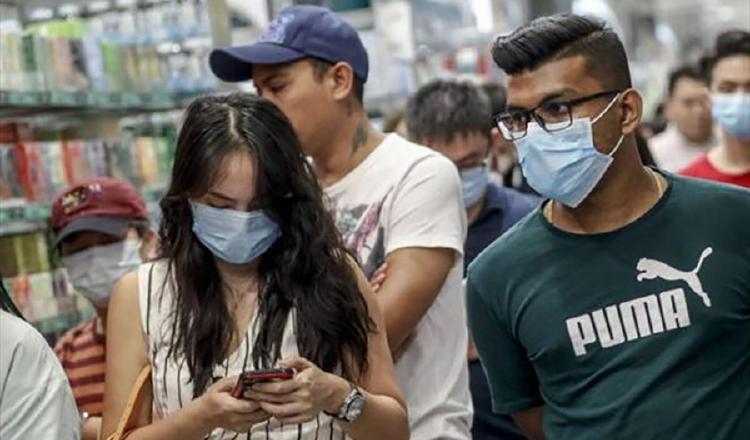 Los jóvenes y la población que salen a trabajar deben triplicar las medidas de bioseguridad para evitar los contagios de COVID-19.