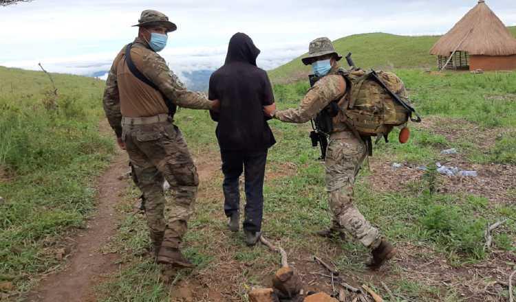 El presunto líder religioso fue capturado en Piedra Fogón, en Ñürüm, comarca Ngäbe-Buglé. Foto Melquiades Vásquez.