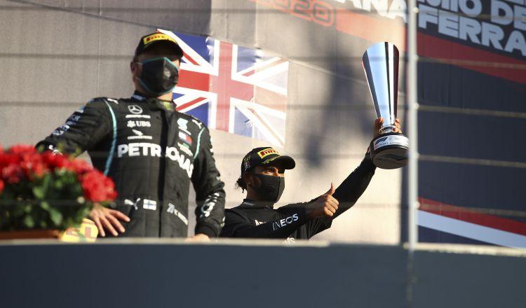 Lewis Hamilton se impuso en la carrera del Gran Premio de la Toscana. Foto: EFE