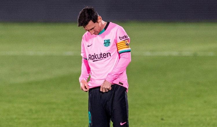 Messi lamenta el revés del Barcelona. Foto:EFE