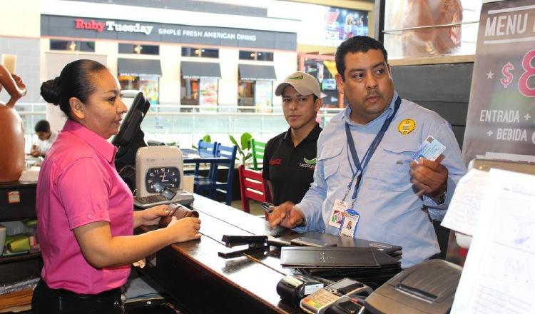 Muchos extranjeros han regresado a su país por la falta de empleos en Panamá por la crisis provocada por la pandemia de COVID-19.