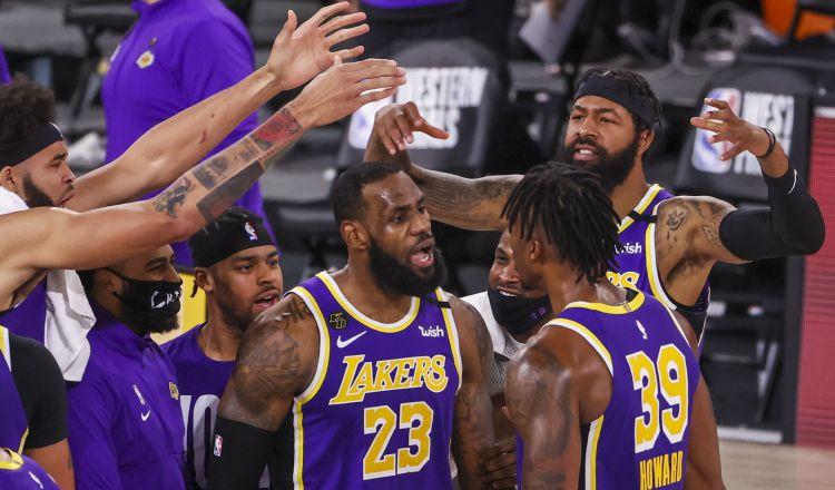 Los Lakers son los actuales campeones del baloncesto de la NBA. Foto:EFE