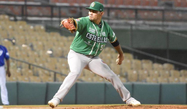 El chiricano Andy Otero, lanzador de Estrellas Orientales. Foto:Twitter