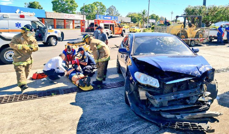 Los bomberos tradicionalmente han estado en la primera línea de trabajo en la atención de urgencias.