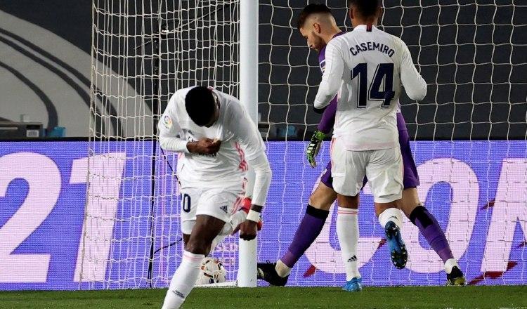 Vinicius del Real Madrid, festeja su gol. Foto:EFE