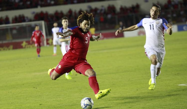 Román Torres desea estar presente para los partidos eliminatorios de junio. Foto:Archivo