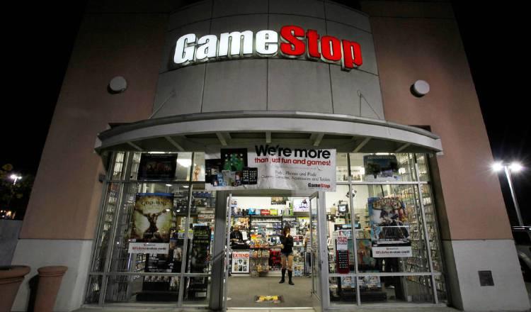 Las acciones de Gamestop llegaron a desplomarse hasta los $40. EFE