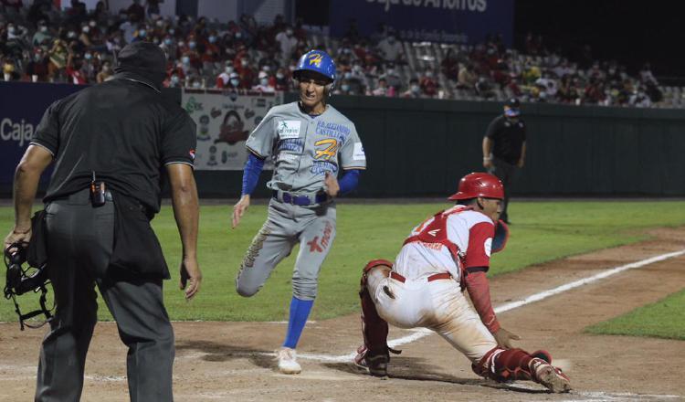 La serie final del béisbol juvenil se reactiva hoy en el estadio Roberto 'Flaco Bala' Hernández.