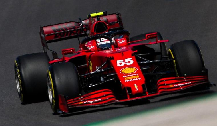 El español Carlos Sainz en las carreras de F1 con su Ferrari. Foto:EFE
