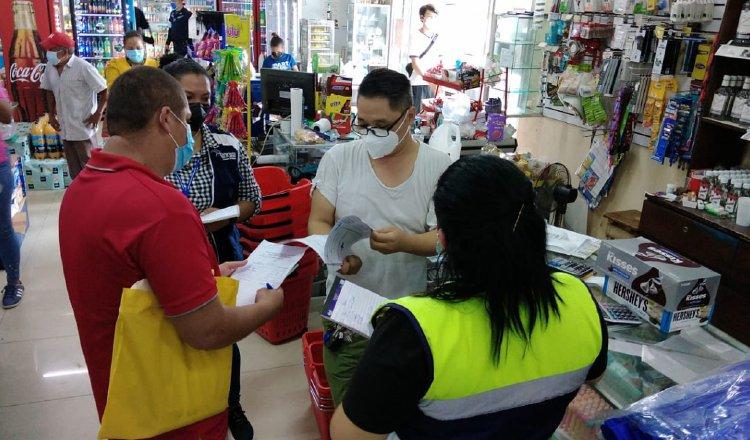 Funcionarios del Ministerio de Trabajo realizan inspecciones a las empresas para, entre otras cosas, garantizar que no laboren menores. Cortesía