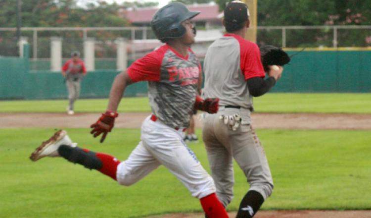El preseleccionado panameño se mantiene realizando partidos entre escuadras. Foto:Frdebeis