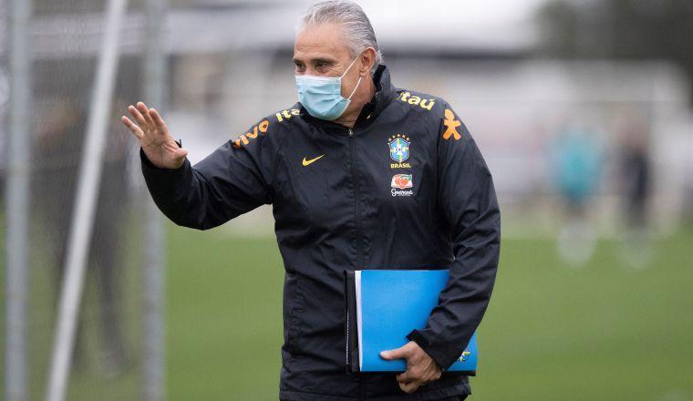Tite en un entrenamiento de la selección brasileña. Foto:EFE