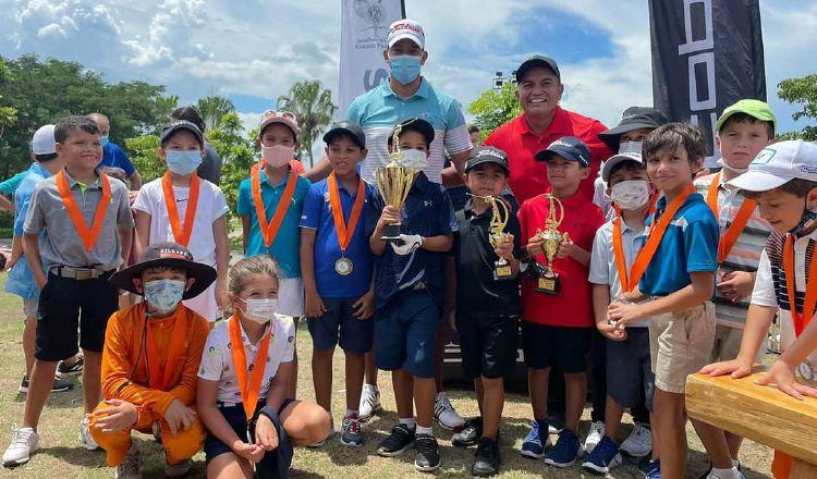 El torneo intenta inculcar el golf a los infantes. Foto: Cortesía