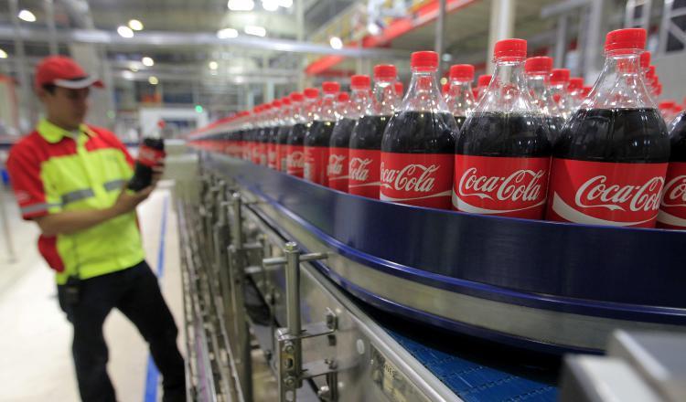 Coca-Cola apuntó a que las ventas mejoraron gracias a las ventas. EFE