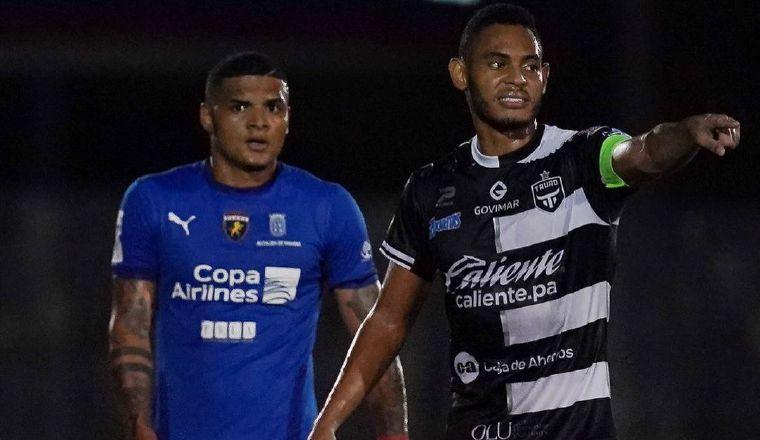 Emanuel Chanis e Ismael Díaz. Foto:@LPF