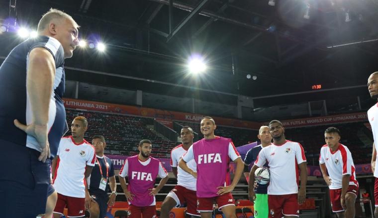 Jugadores panameños en los entrenamientos en Lituania. Foto: Fepafut