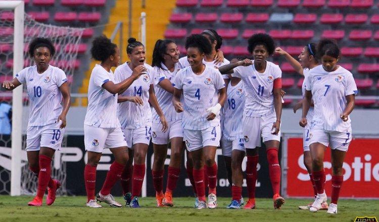 Equipo de fútbol femenino de Panamá durante el juego contra Costa Rica. Foto: Fepafut