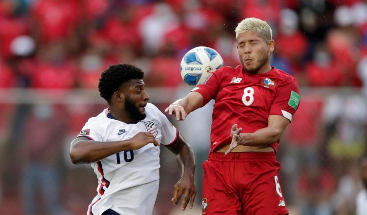 Cristian Jesús Martínez(derecha), fue una de las mejores armas de Panamá para vencer a Estados Unidos en el estadio Rommel Fernández el pasado domingo. Ha jugado 9 partidos con la selección, tras su primer llamado en 2016 y no ha marcado goles. EFE