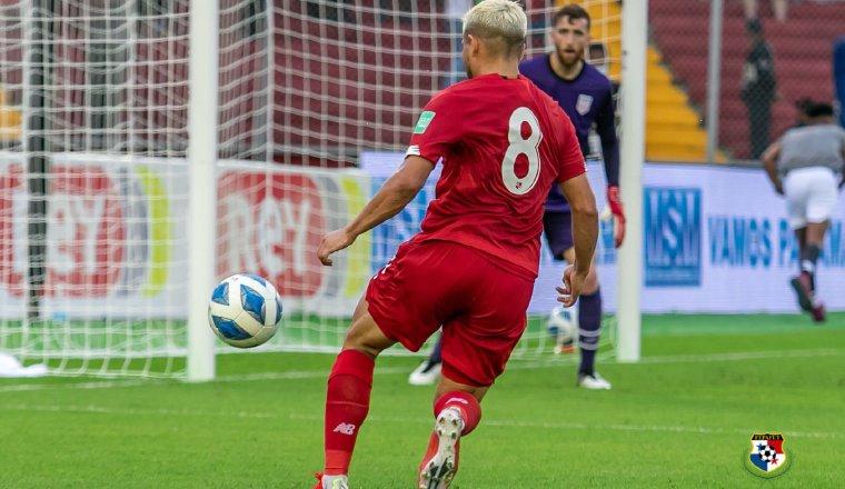 Cristian Martínez, mostró su calidad en la cancha.