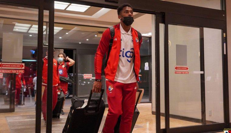 Amir Murillo llega a Toronto. Foto: Fepafut