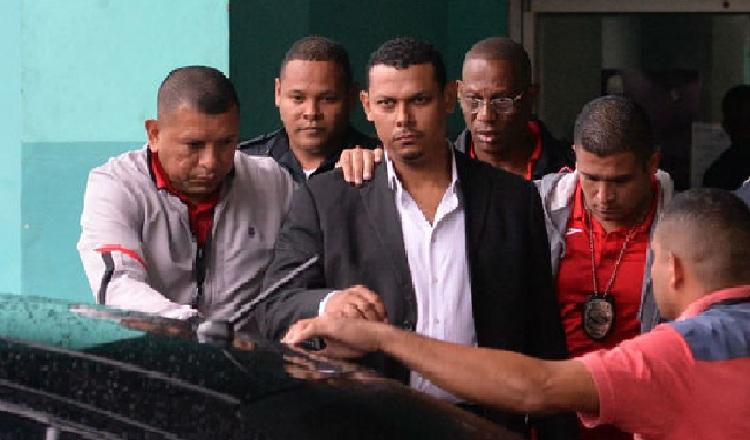 Familiares del exmayor Alex Cedeño indicaron que su hermano fue muy galardonado por sus capturas de delincuentes y narcotraficantes. Foto de archivo