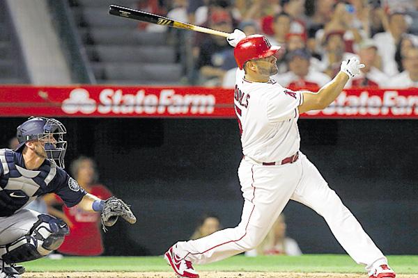 Pujols se sometió a una cirugía en la rodilla, en el verano. /Foto AP
