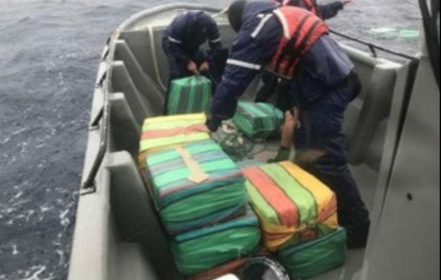 Los 50 paquetes de droga recuperados en la frontera con Panamá.