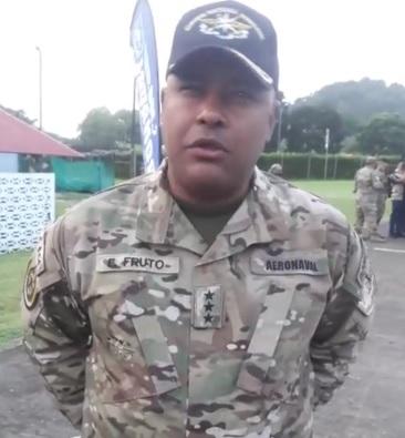 Comisionado del Servicio Nacional Aeronaval, Eric Fruto, explica los resultados de los operativos realizado el fin de semana tanto en el Atlántico como en el Caribe panameño. Foto/Facebook/Senan