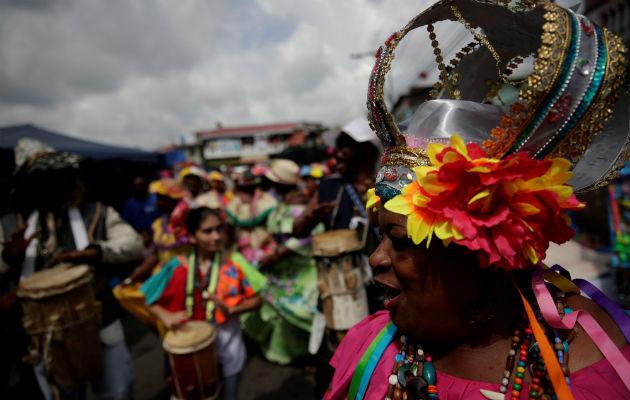 Danzantes participan en la onceava edición del festival de diablos y congos este sábado, en Portobelo (Panamá). Foto/EFE