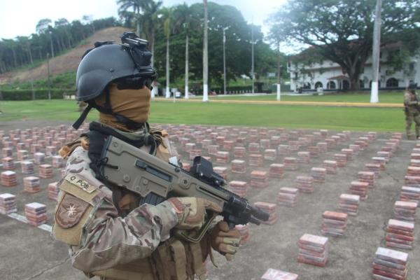 La cocaína, que cuenta con el mayor índice de captura, con un total de 208 mil paquetes. Foto/Roberto López