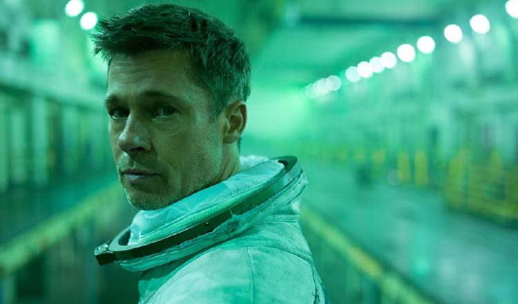 Brad Pitt  en 'Ad Astra' es un astronauta que viaja a los confines del sistema solar.  https://www.latercera.com/