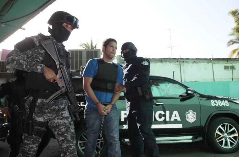 Gilberto Ventura Ceballos cuando era conducido al Sistema Penal Acusatorio.