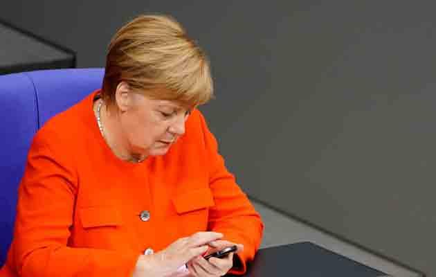 La canciller alemana Ángela Merkel, también fue afectada por el ciberataque. FOTO/AP