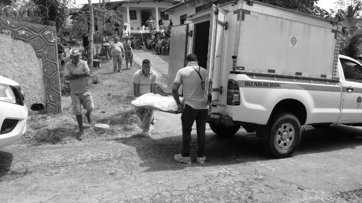 Uno de los cuatro asesinatos que se registraron en la provincia de Panamá Oeste durante el pasado fin de semana. Foto: Eric Montenegro. Epasa.