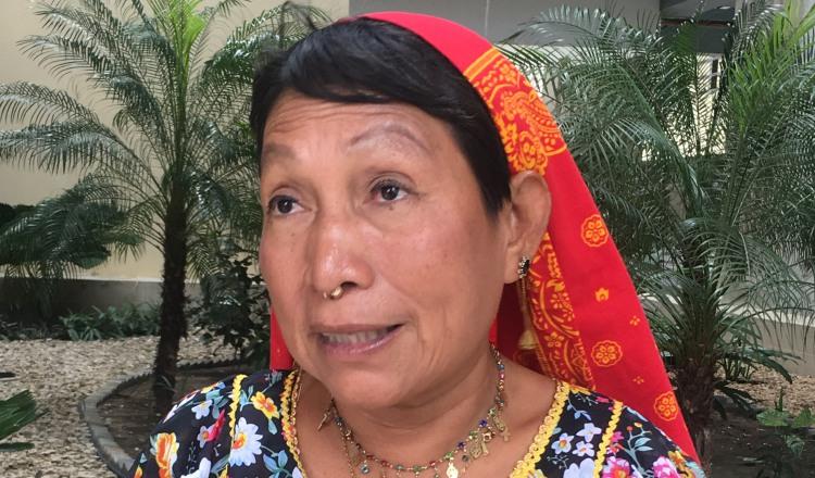 Petita Ayarza, primera mujer Guna que se abre camino en busca de una curul en la Órgano Legislativo.
