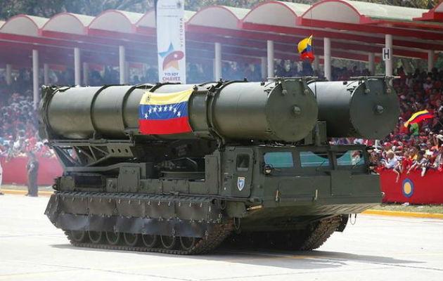 Se reportó que dos aeronaves militares de bandera rusa aterrizaron en el aeropuerto internacional de Maiquetía, el principal de Venezuela.