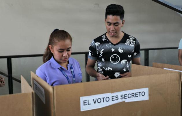Se instalaron 20 estaciones del voto eletrónico para que los votantes del corregimiento de San Francisco hagan las prácticas .